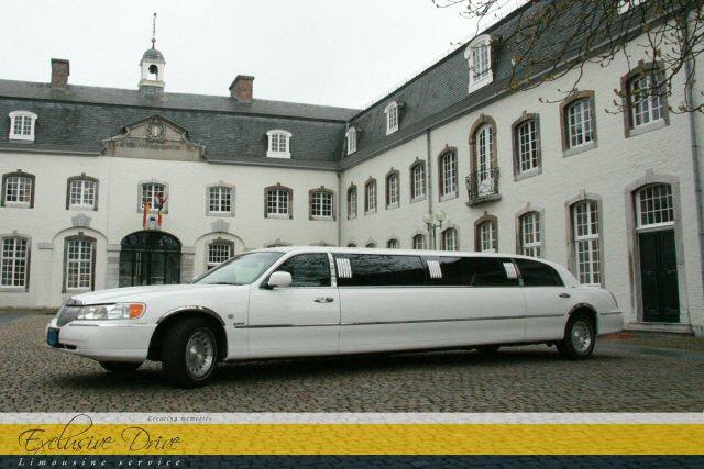 wagenpark exclusive drive limousine service Goedkoop Limousine Verhuur.htm #16